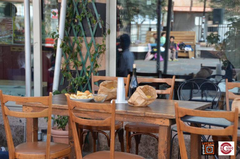 Luzzati tavolo.jpg