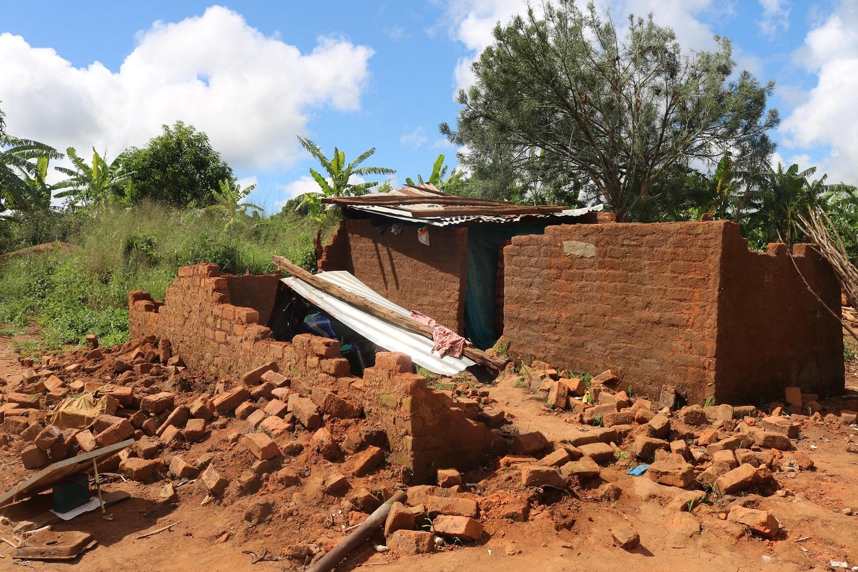 Una casa distrutta dal ciclone Idai