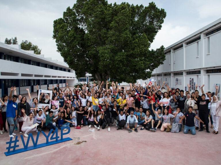 Ragazze e giovani tunisini ambasciatori di pace