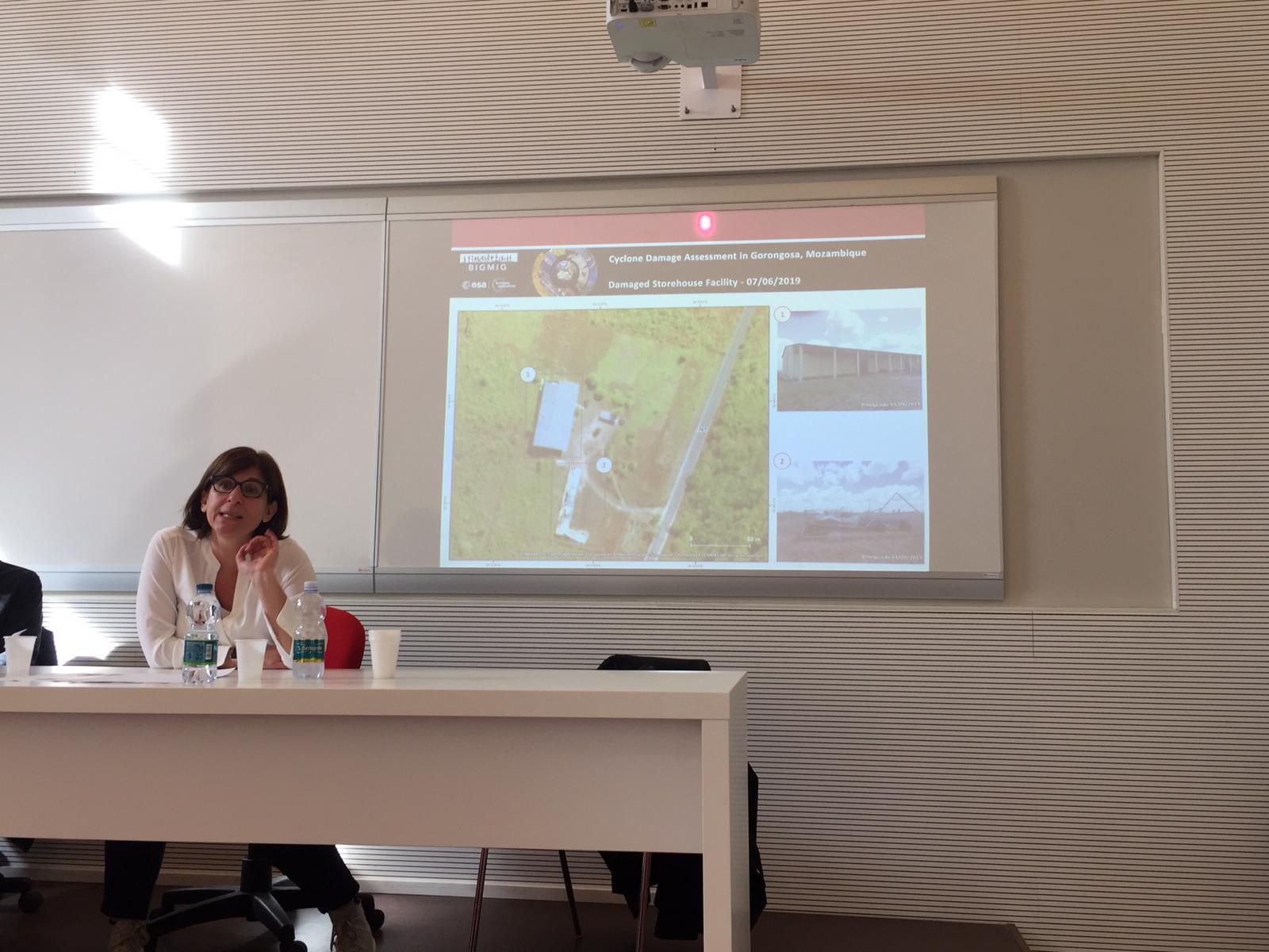 Valeria Fabbroni spiega l'uso delle nuove tecnologie in ambito umanitario