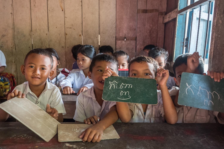 Adottare un bambino a distanza in Cambogia