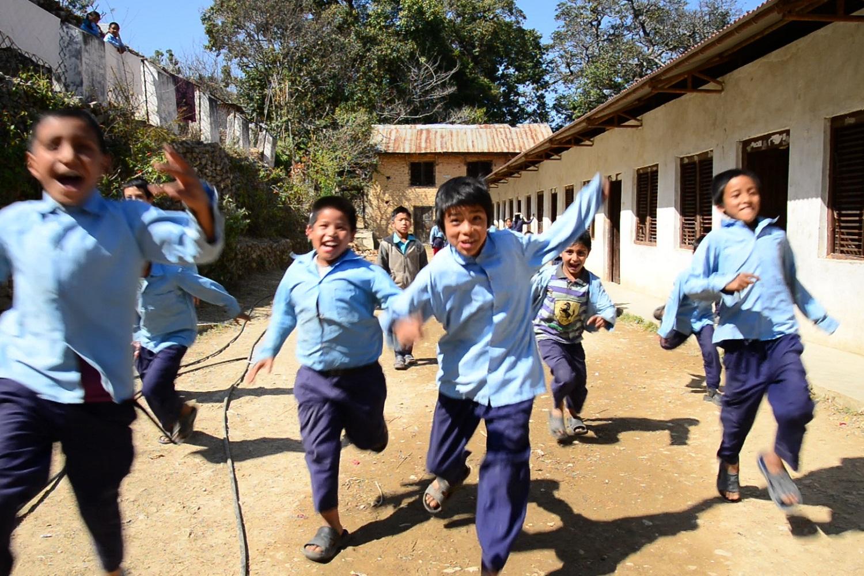 diritto all'istruzione dei bambini in nepal