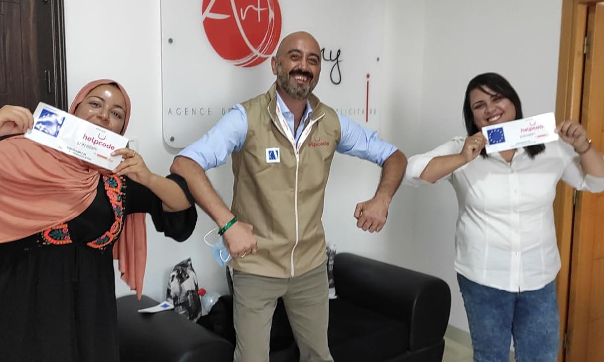 Malek, la giovane imprenditrice tunisina.e Alessandro Guarino, responsabile progetti Libia e Tunisia